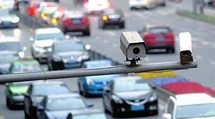澳大利亞:高清智能電子眼專拍開車玩手機行為