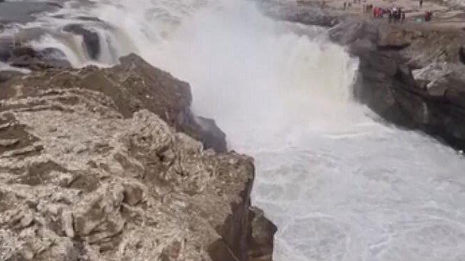 山西壺口瀑布再現階梯式瀑布群景觀