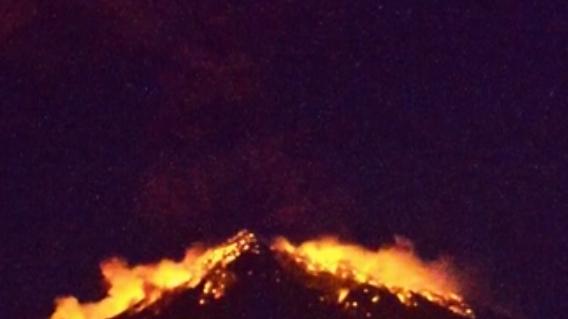 印尼巴厘島火山再噴發 多趟航班取消