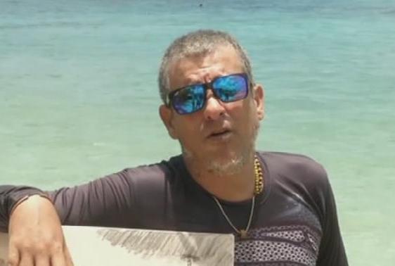 古巴:藝術家水下作畫