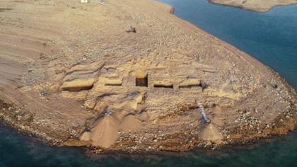 伊拉克:水庫幹涸 3400年前古城重見天日