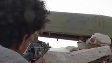也門:支持政府的武裝與胡塞武裝激戰