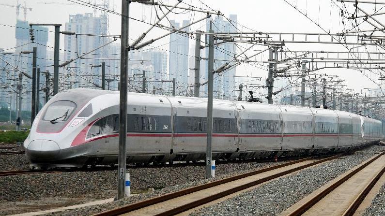 全國鐵路今起實施新列車運行圖