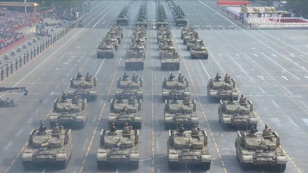 輕型裝甲方隊:15式輕型坦克首次亮相國慶閱兵