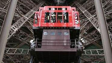 埃菲爾鐵塔130周年:鐵塔電梯知多少?