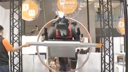 """日本科技博覽會 """"空中飛車""""精彩亮相"""