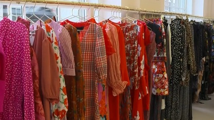 英國:共享衣櫥 平價環保享受最新時尚