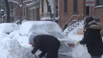 美國多地遭遇暴風雪襲擊