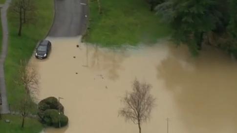 英國:英格蘭東南部暴雨天氣引發洪災
