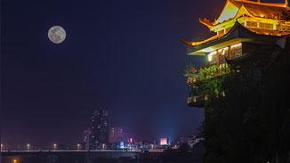 """今年最大""""超級月亮""""8號淩晨亮相"""