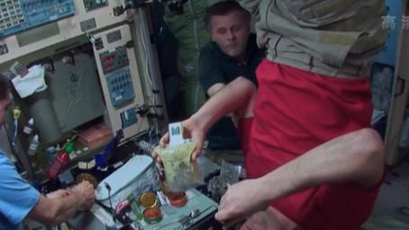 俄羅斯宇航員在線分享太空生活