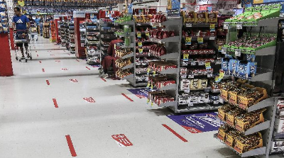 模擬實驗新冠病毒超市內傳播——快 遠 長
