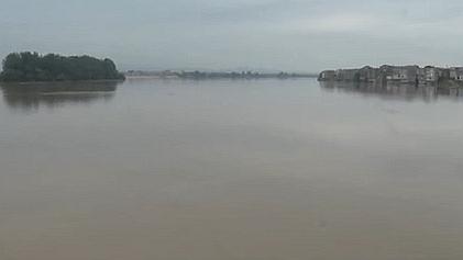 江西:鄱陽縣境內昌江河迎來今年首次洪峰