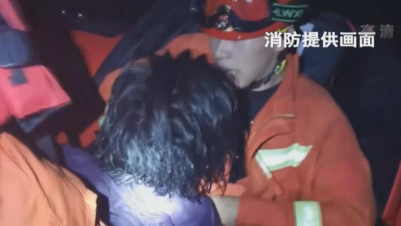 吉林:女子深夜墜江 消防全域搜救