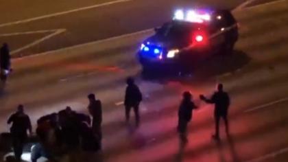 美國波特蘭抗議持續 過路車輛向人群開槍