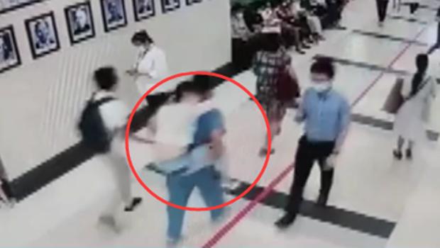 廣東:1分鐘跑下4層樓 醫生抱起患者送急診