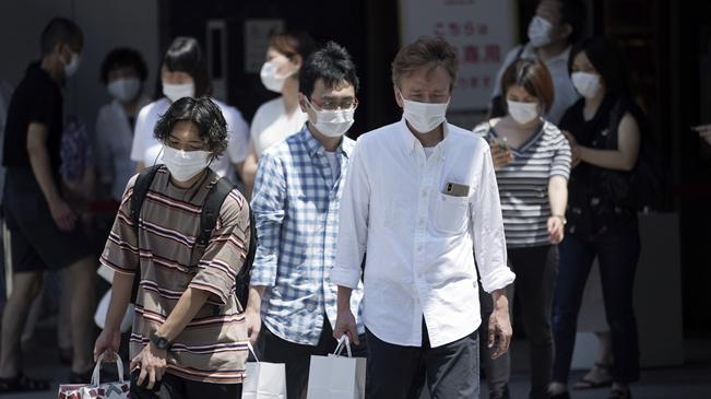 日本單日新增新冠確診病例再超千例