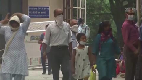 印度單日新增新冠肺炎確診病例再超6萬例