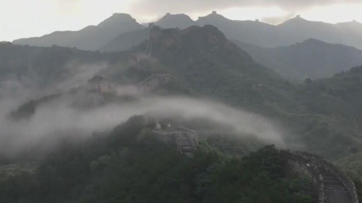 河北承德:金山嶺長城現壯觀雲海奇觀