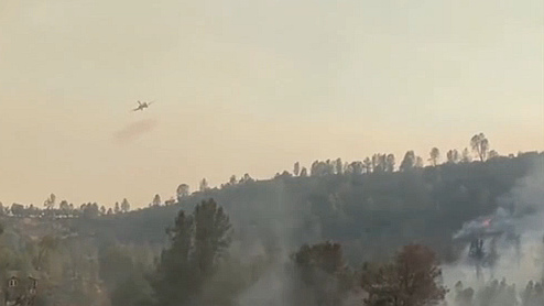 美國:加州山火持續燃燒 未來仍有雷暴天氣