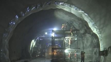 海南:全長4875米的五指山隧道左洞提前貫通