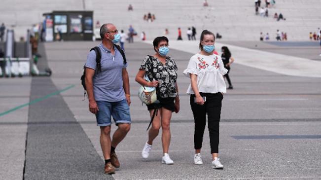 法國發布疫情防控建議報告:建議高校內佩戴口罩常態化
