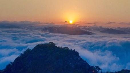 雲南寧洱:風雨過後見雲海 宛如仙境