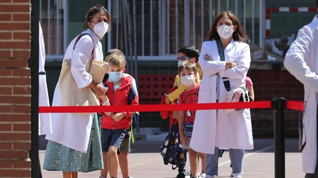 西班牙:新冠肺炎疫情下的開學季