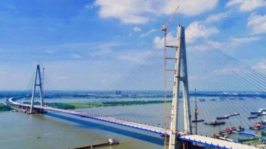 長江最寬公路大橋武漢青山大橋全面建成