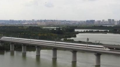 國慶中秋假期臨近 旅遊城市火車票緊俏