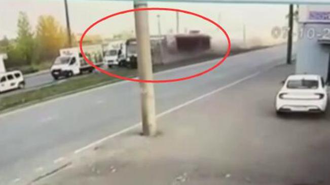意外!交通堵塞 俄羅斯有軌電車撞車脫軌