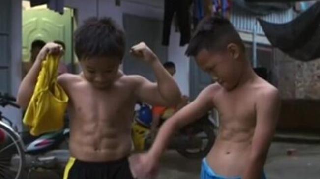 驚人!越南10歲男孩肌肉量超常人