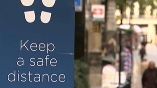 英國累計新冠肺炎確診病例數超70萬
