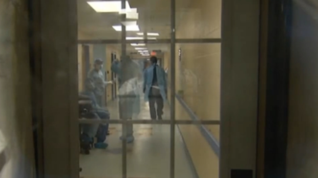 美媒:美國新冠肺炎疫情經歷最糟一月