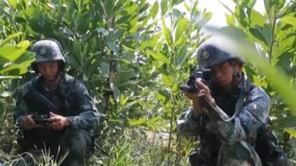 陆军:多课目实弹训练 提升狙击手一枪毙敌能力