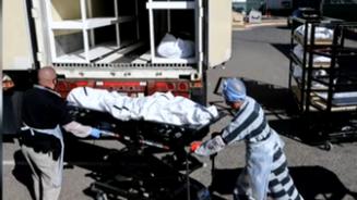 美國:人手不足 犯人受雇搬運新冠患者遺體