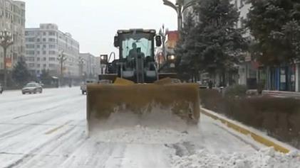 黑龍江安達:出現降雪天氣 對交通造成一定影響