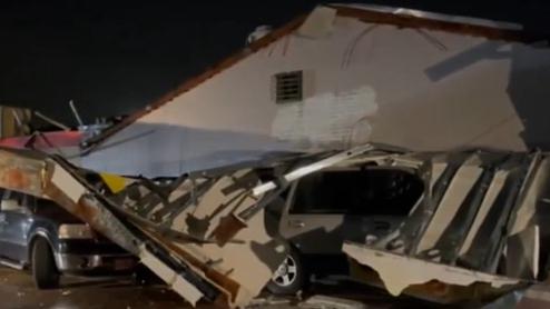 美國:得克薩斯州阿靈頓遭遇龍卷風襲擊