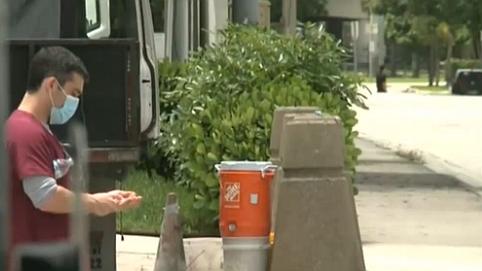 美國:美專家警告假期出行將導致病例激增