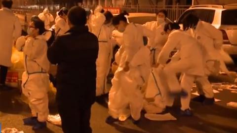 四川成都郫都區犀浦街道:為了32萬份核酸採樣 他們熬了通宵