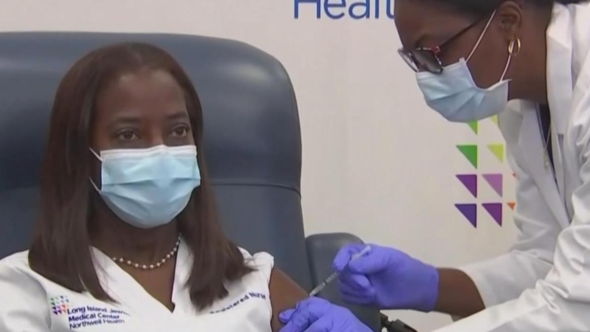 美國開始首批新冠疫苗接種