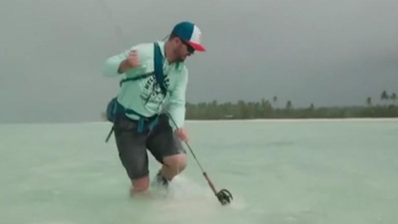 鯊魚偷襲 澳大利亞男子用魚竿反擊