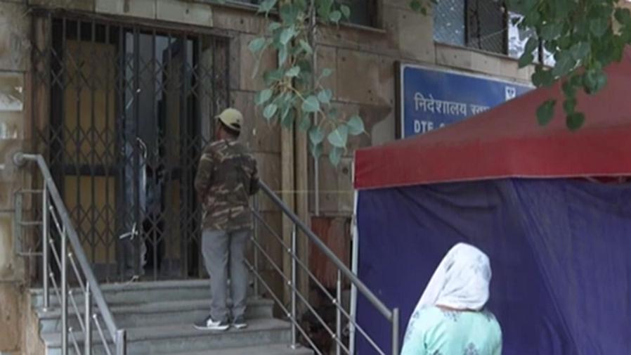 印度:新冠疫苗庫存告急 新德裏市民接種難