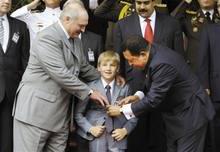 """白俄羅斯""""第一公子""""7歲從政活躍政壇"""