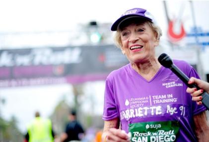 91歲患癌老太跑馬拉松 跑7小時破紀錄