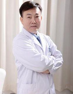 趙小忠:著名皮膚專家、醫學博士
