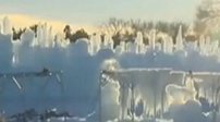 """加拿大:數萬根冰柱打造""""冰凍城堡"""""""