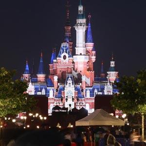 [新华纵横]上海迪士尼开园迎客