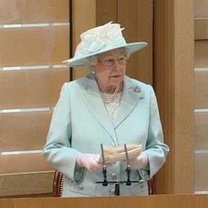 英国女王出席新一届苏格兰议会会议开幕仪式