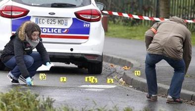 法國巴黎發生兩起襲擊軍警事件